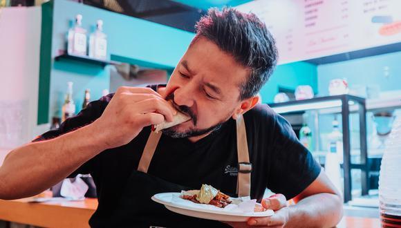 Emilio tiene 14 años en Lima. Llegó para trabajar en el restaurante Quimera, el hotel BTH. Más adelante trabajó en Amoramar y Astrid & Gastón Casa Moreyra.