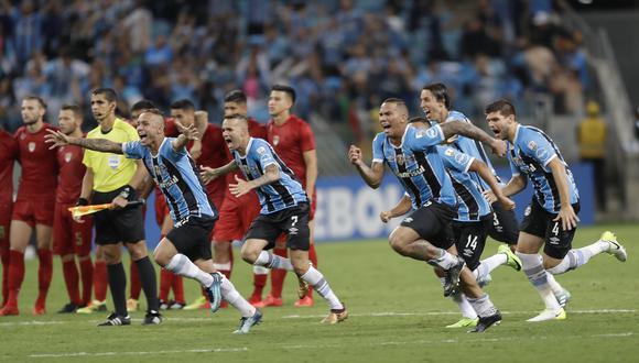 Independiente de Avellaneda disputó una gran final ante Gremio de Porto Alegre, pese a jugar con 10 hombres desde la primera mitad. (Foto: AP)