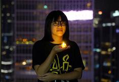 Liberada bajo fianza Chow Hang-tung, organizadora de conmemoración de Tiananmen en Hong Kong