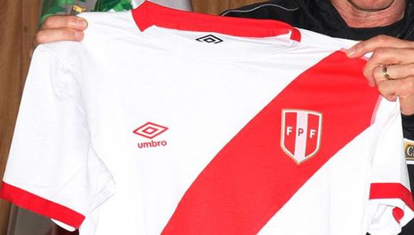 Selección peruana: Ricardo Gareca posó con la nueva camiseta - 2