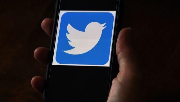 La red social Twitter se pronunció inmediatamente sobre el hackeo de cuentas. (Foto:  Olivier DOULIERY / AFP)