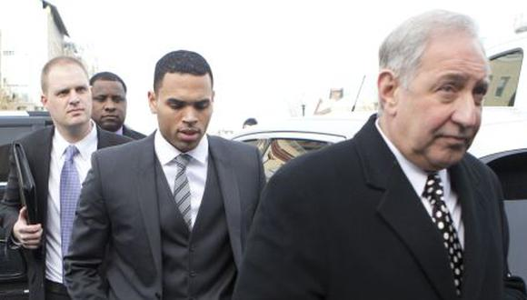 Chris Brown rechaza acuerdo legal por agresión