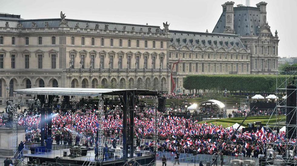 Partidarios de Macron celebran la victoria en las calles - 10
