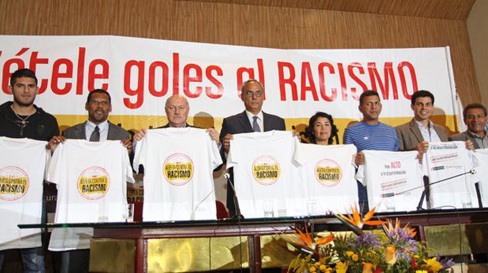 Lanzaron campaña 'Ponte Alerta Contra el Racismo en el Fútbol' - 1