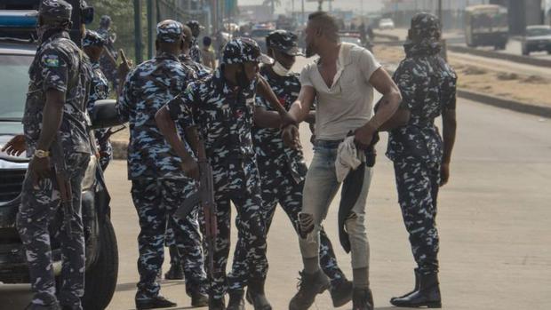 Las fuerzas de seguridad de Nigeria son acusadas de frecuentes abusos. (GETTY IMAGES)