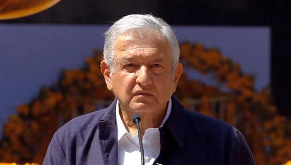 El presidente de México, Andrés Manuel López Obrador, inauguró este sábado una monumental ofrenda homenaje en honor a las víctimas de la pandemia del COVID-19. (Foto: Facebook de AMLO)