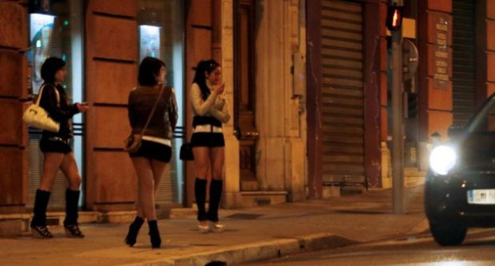 Francia: Plantean penalizar a clientes de prostitutas