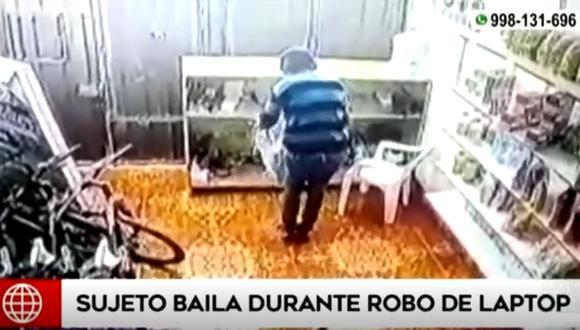 Sujeto se puso a bailar tras ingresar a robar a un negocio de bicicletas | Foto: Captura de video América TV