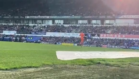 Macauley Bonne, delantero del Ipswich Town FC, inició el polémico gol en la tercera de Inglaterra.