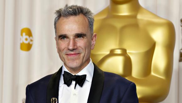 """Daniel Day Lewis, al recibir su Oscar por """"Lincoln"""". (Foto: Reuters)"""