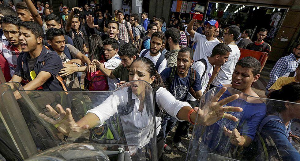 Venezuela: Estudiantes y periodistas se enfrentan a la policía - 12