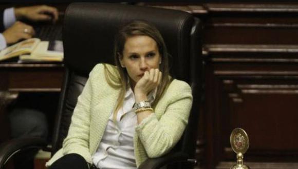 El Ministerio Público solicitó 36 meses de impedimento de salida del país para Luciana León. (GEC)