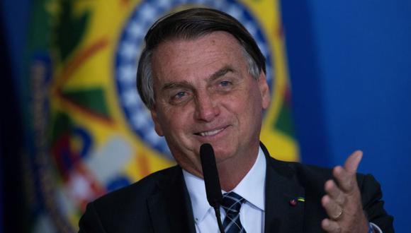 El presidente de Brasil, Jair Bolsonaro, habla en el acto de lanzamiento del Plan de cultivo 2021/2022 hoy, en el Palacio do Planalto en la ciudad de Brasilia (Brasil). (Foto: EFE/Joédson Alves).