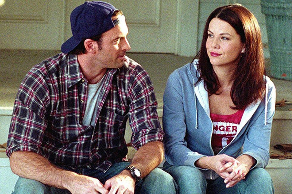 """Lorelai y Luke de la serie """"GIlmore Girls"""" sin duda son una de las parejas más queridas de la televisión. Su amor se forjó tras varios años de amistad. Pase lo que pase Luke siempre está para Lorelei, y vice versa. (Foto: The CW)"""