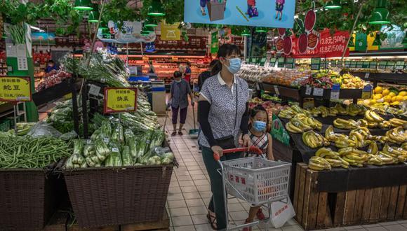 En cuanto a los infectados asintomáticos, China registró 17 nuevos casos en este último informe, y el total de personas en esas circunstancias bajo observación es de 285. (Foto: EFE/EPA/ROMAN PILIPEY).