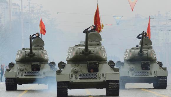 Rusia exhibe sus armas 70 años después de victoria sobre Hitler