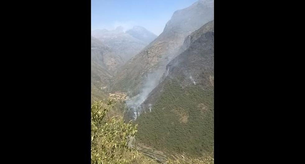 Puno: incendio forestal no puede ser controlado desde el sábado - 1
