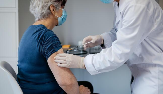 #ElComercioteinforma – Ep. 63: Vacunación en Perú: ¿por qué los adultos mayores se vacunarán en segunda fase? | Podcast