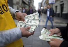Tipo de cambio cierra a la baja por quinta sesión consecutiva tras la caída global del dólar