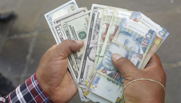 En el mercado paralelo o casas de cambio de Lima, el tipo de cambio se cotizaba a S/3,635 la compra y S/3,660 la venta. (Foto: GEC)