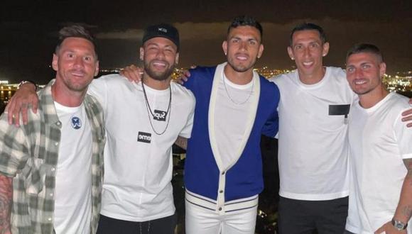 Messi junto a Neymar, Paredes, Verrati y Di María, jugadores de PSG, club que podría ficharlo para la próxima temporada. (Foto: Difusión)