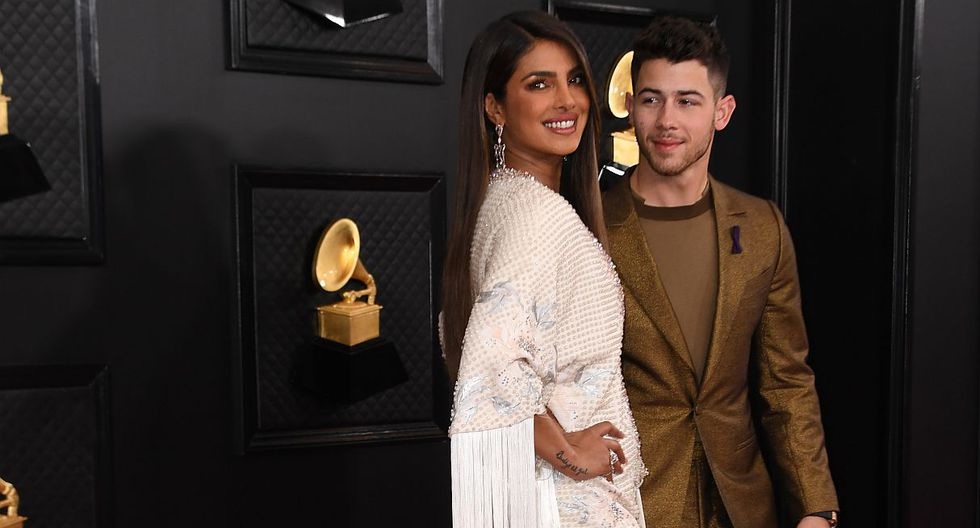 Grammy 2020: Priyanka Chopra cautivó a todos con su vestido en la alfombra roja. (Foto: AFP)