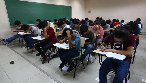 El domingo 18 de abril se realizará el primer examen general de admisión y está destinada para las modalidades: graduados o titulados, traslado externo nacional e internacional, traslado interno, deportistas calificados y de alto nivel. Foto: Andina