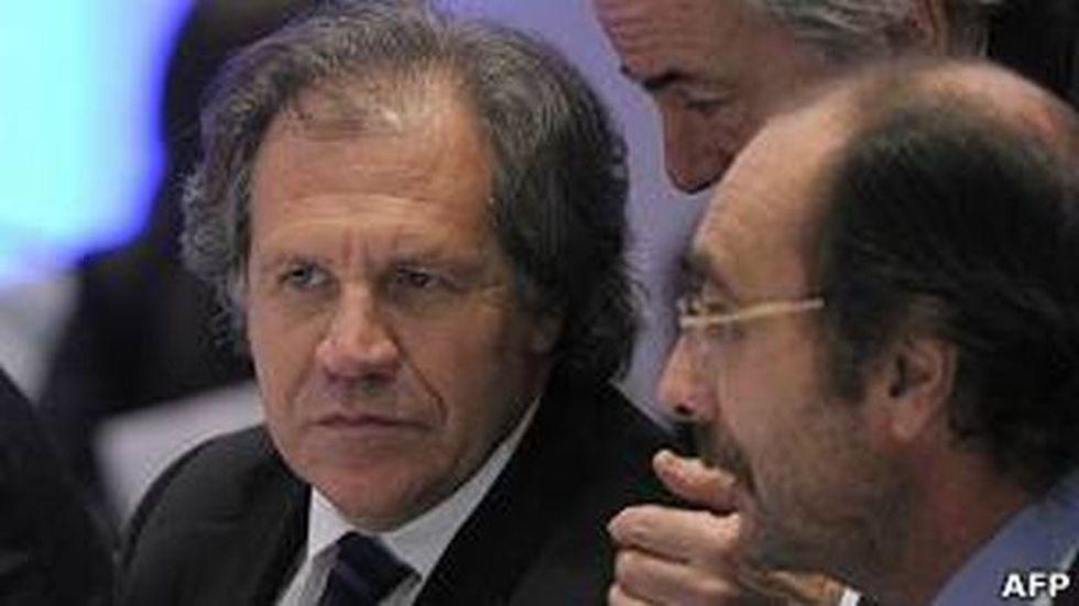 La oposición anunció que llamará al canciller Almagro al Congreso para que explique la decisión del Ejecutivo. (AFP)