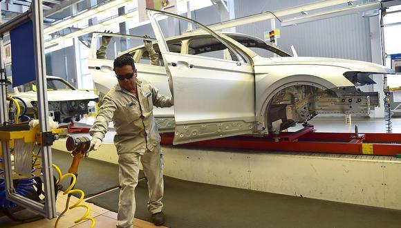 Alrededor de un 45% de los 11,364 trabajadores y colaboradores de Volkswagen en México han sido examinados por el COVID-19 hasta ahora. (Foto: AFP)