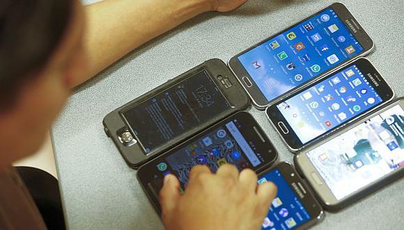 El bloqueo de equipos móviles con IMEI inválidos busca combatir el comercio ilegal de celulares. (Foto: GEC)<br>
