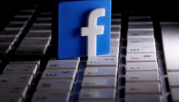 El modo oscuros de Facebook es una de las características que ya viene incluida en los smartphones de todas las compañías que hay en el mercado. (Foto: Reuters)