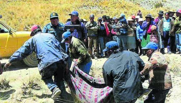 Puno: los cadáveres de ambos jovenes fueron rescatados hoy por comuneros de la zona y agentes de la Policía Nacional.