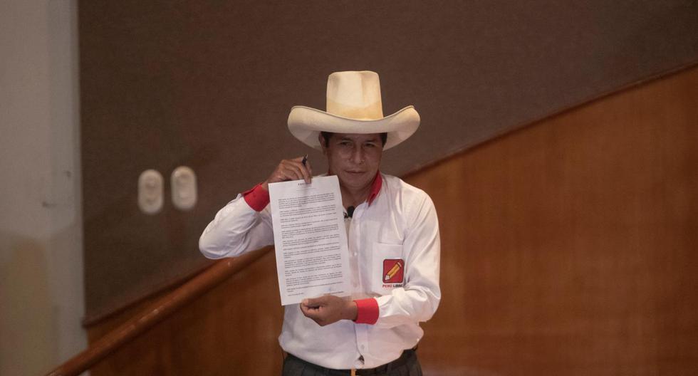 Castillo, durante la campaña de segunda vuelta, firmó la Proclama Ciudadana, cuyo punto 8 establece que debe defender y promover la libertad de expresión y de prensa en el país. (Foto: Renzo Salazar   Archivo GEC)