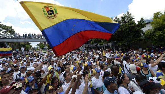 La Toma de Caracas, por Ian Vásquez