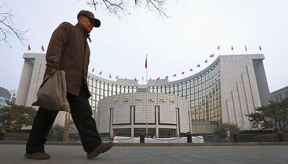 China prohíbe hacer pagos con tarjetas de crédito virtuales