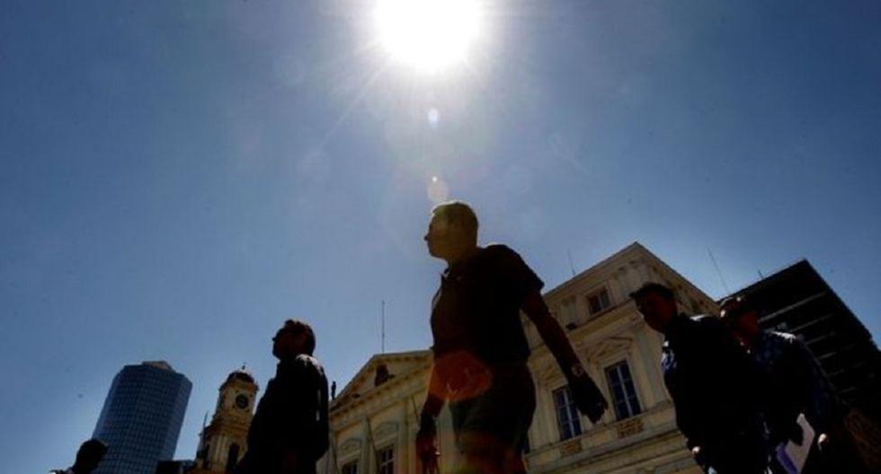 El Senamhi advirtió que el índice máximo UV en Lima alcanzará el nivel 15, especialmente cerca del mediodía. (Andina)