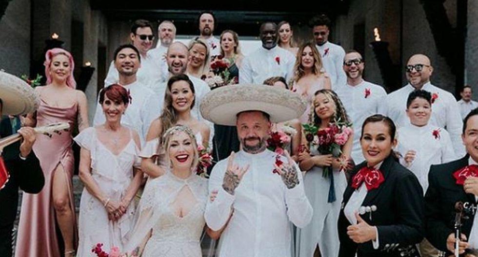 Foto 3 de 8 | Lady Gaga fue una de las damas de honor en el matrimonio de su mejor amiga. (Foto: Instagram)