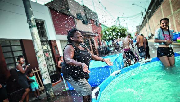 Las autoridades locales invocan a la ciudadanía a no desperdiciar el agua en los juegos de carnavales | Foto: Anthony Niño de Guzmán