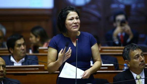 Yesenia Ponce se defendió entre lágrimas en Congreso
