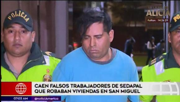 Una tercera persona que se encontraba en el predio huyó del lugar y dio aviso a la policía. (Captura: América Noticias)