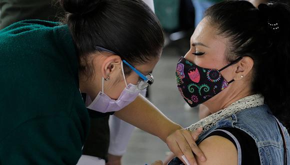 Entérate en qué alcaldías comenzarán la vacunación de 30 a 39 años (Foto: Getty Images)