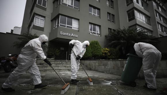 El edificio Santa Ana, en Miraflores, fue desinfectado varias veces luego de la muerte de un vecino en su departamento. FOTO: JOEL ALONZO/GEC