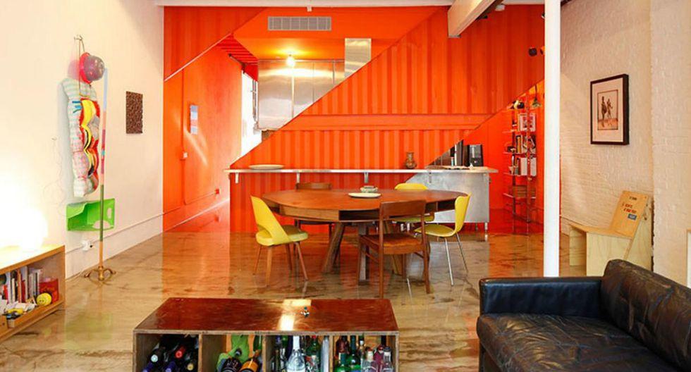 Esta antigua casa de Brooklyn construida en los años 30 fue traída al siglo XXI con un toque brillante de naranja. El proyecto Irving Place fue realizado por el estudio Lot-Ek. (Foto: lot-ek.com)