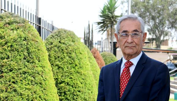 Oswaldo Zegarra es médico cirujano por la Universidad Peruana Cayetano Heredia (UPCH), de la cual fue rector por dos periodos. Se desempeñó como miembro del primer Consejo Directivo de la Sunedu, entre el 2015 y 2017, y fue Presidente de la Academia Nacional de Medicina. (Foto: Sunedu).