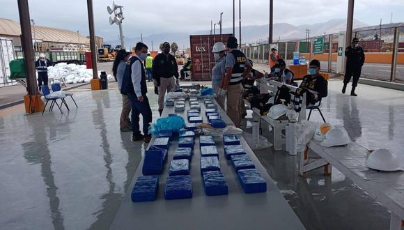Moquegua: las autoridades precisaron que aún quedaba pendiente la revisión de un tercer contenedor. (Foto: Fiscalía)