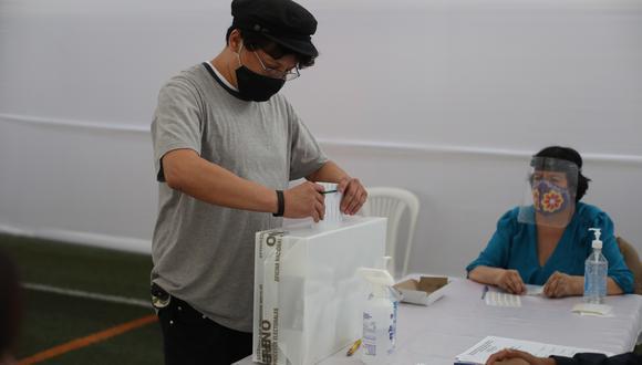 Los electores que no cumplan con ejercer como miembros de mesa pagarán una multa de S/ 220 en la segunda vuelta de las Elecciones 2021. (Foto: archivo GEC)