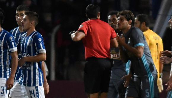 Sporting Cristal vs. Godoy Cruz: Omar Merlo cometió dos penales en cuatro minutos   VIDEO. (Foto: Captura de pantalla)