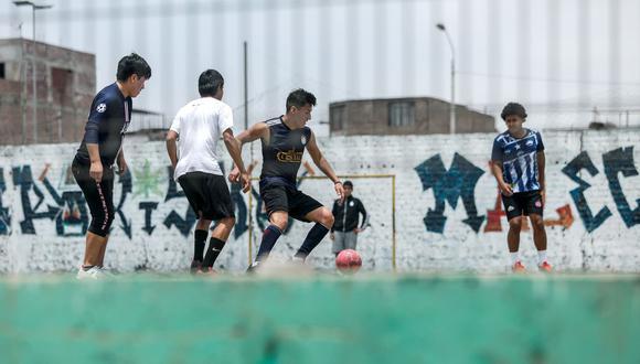 Los deportes colectivos como el fútbol y sus variantes se encuentran prohibidos como medida para prevenir los contagios de coronavirus. (Foto: Miguel Yovera/@photo.gec)
