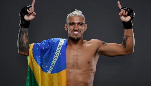 Charles Oliveira es el nuevo campeón de peso ligero de la UFC tras noquear a Michael Chandler