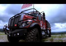 YouTube: Conoce al Bulldog Extreme 4x4, el camión de bomberos definitivo   VIDEO
